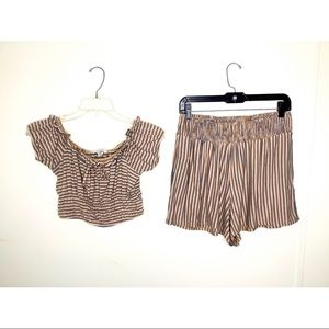 < American Eagle Two Piece Set >